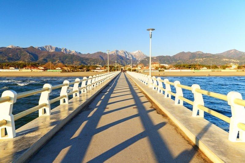 Pier pontile Forte dei Marmi_villa italy