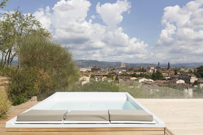 Terrazza jacuzzi vista_Villa Florence