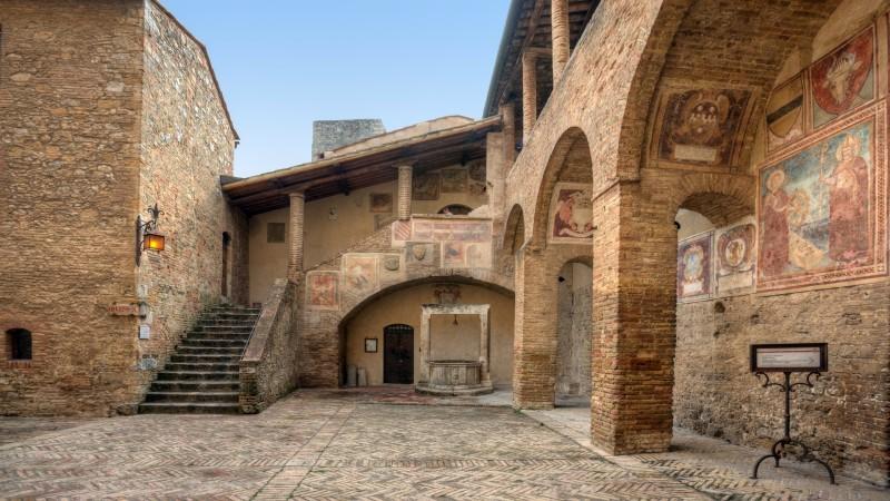 san-gimignano-Tuscandy_Villa Italy Rentals_low