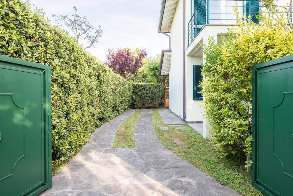 Villa Monti di Luna Overview